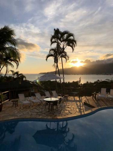 Melhor vista para o pôr do sol de Ilhabela - Pousada Altamira