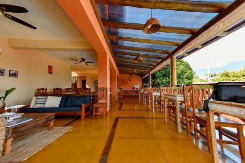 Espaço do Café da Manhã ou pequenos Eventos - Pousada Altamira Ilhabela